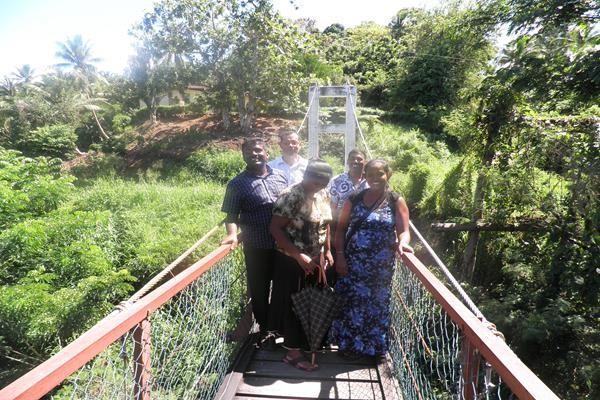 Photo at the shaking bridge